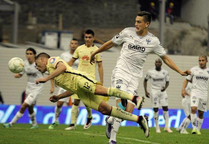 América venció 1-0 a los Rayados de Monterrey en la ida de las semifinales. El partido tuvo varias jugadas de gol y buenas intervenciones de los arqueros. (Notimex)