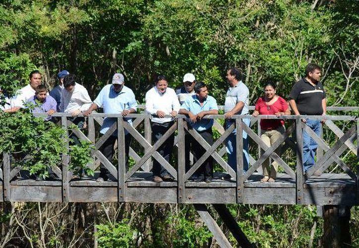 Los trabajos de rehabilitación de los caminos fue resultado de una solicitud de los productores de Noh Bec. (Cortesía/SIPSE)