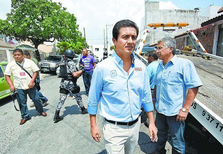 Carlos Alberto Valenzuela, candidato del PAN a regidor por Boca del Río, Veracruz, ratificó su denuncia por plagio ante una agencia del MP. (Milenio)