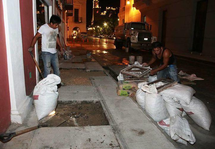 La remodelación de pavimentos y martelinado de las banquetas fueron las principales obras de mejoramiento del Centro Histórico de Mérida. (Cortesía)
