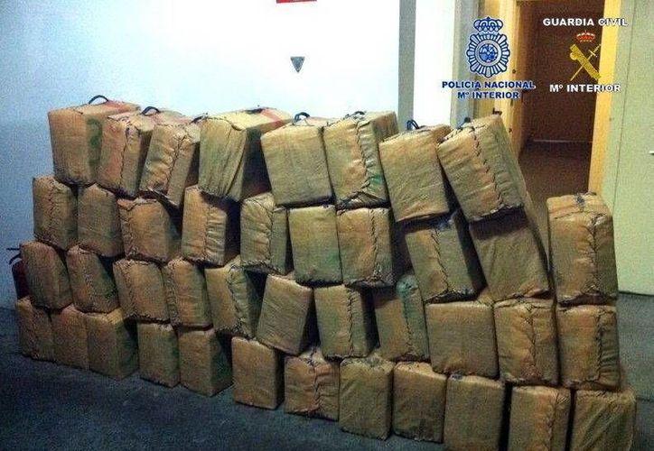 Imagen de archivo de otra operación contra el tráfico de hachís en Algeciras. (Archivo/EFE)