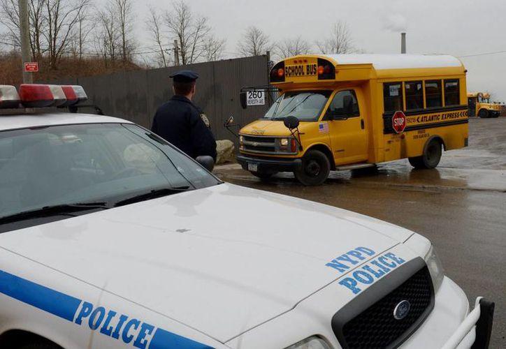 Imagen de archivo de una patrulla de policía en en Staten Island, Nueva York. (Archivo/EFE)