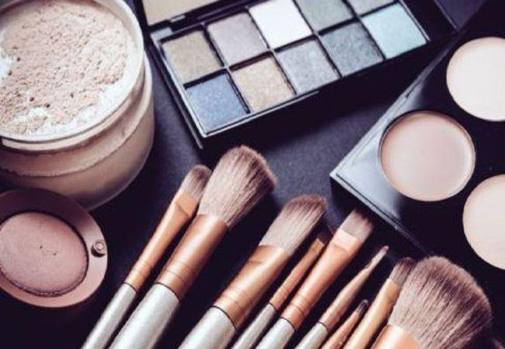 Ello dado que los productos utilizados incluyen parabenos y bisfenol A.  (Internet)
