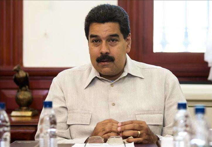 """Nicolás Maduro califica a Henrique Capriles de """"parásito perdedor que anda jugando a la contrarrevolución"""". (EFE)"""