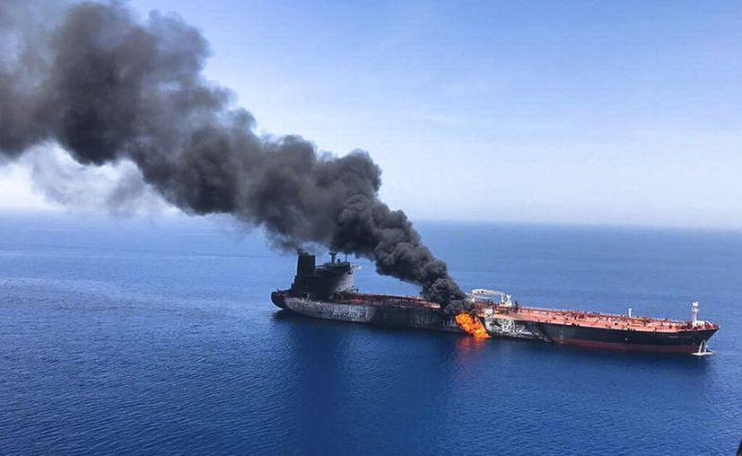 La escalada de las tensiones se produjo tras aparentes ataques la semana pasada contra dos petroleros cerca del Estrecho de Ormuz. (AP Photo/ISNA)