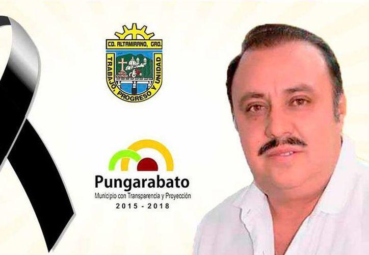 La página web del Ayuntamiento de Pungarabato colocó un lazo negro en  señal de luto por la muerte del alcalde, Ambrosio Soto, quien fue ultimado por sicarios, en Tierra Caliente.