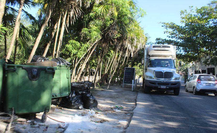 De la mano con el tema de basura, está el cuidado del agua y los ríos subterráneos. (Sara Cauich/SIPSE)