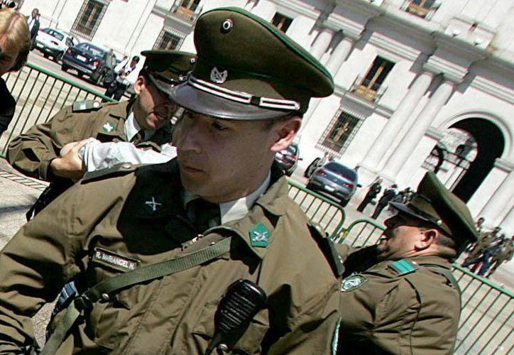 El joven fue detenido por la policía. (EFE)
