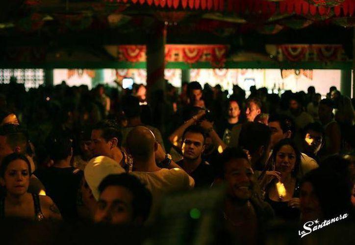 El bar La Santanera de Playa del Carmen anunció hoy que cerrará definitivamente, por los hechos violentos recientes. (La Santanera/Facebook)