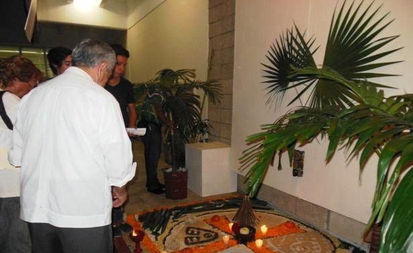 Fotografía del tercer lugar en ofrenda prehispánica de la Universidad del Valle del Grijalva. (Redacción/SIPSE)