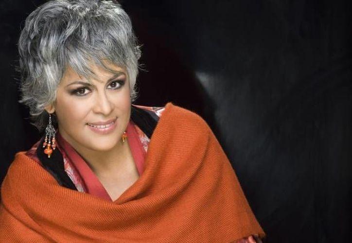 Como productora musical Eugenia León impulsará, de entrada, a Pedro Tomás y Alejandra Robles y como cantante sacará un nuevo material con Tania Libertad y Guadalupe Pineda. (fiomat.com.mx)