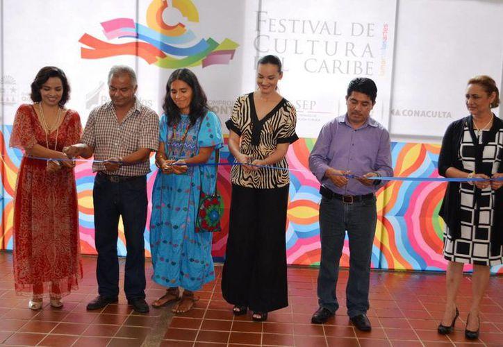 Momento del corte de listón en el l Museo de la Cultura Maya. (Redacción/SIPSE)