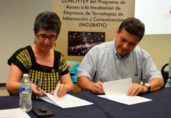 La incubadora de negocios Incubatics es ya un producto de 'exportación' de Yucatán: varios estados han 'copiado' el modelo. La imagen corresponde a una firma de colaboración con Tabasco. (tabasco.gob.mx)
