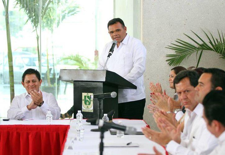Zapata Bello firmó ayer el Decreto de creación del Centro Estatal de Prevención Social del Delito y Participación Ciudadana. (Cortesía)
