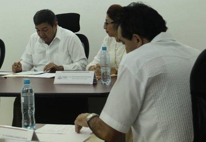 Partidos Políticos tendrán un incremento en su presupuesto, incluso más que el Tribunal Electoral del Estado de Yucatán, que este año ejerce 23 millones de pesos. (Milenio Novedades)