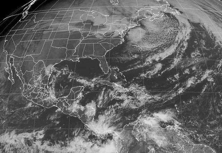 La CFE pronostica para la Península de Yucatán ambiente de templado a fresco por la mañana y noche, y cielo medio nublado con lluvias ligeras al norte de Quintana Roo. (Redacción/SIPSE)