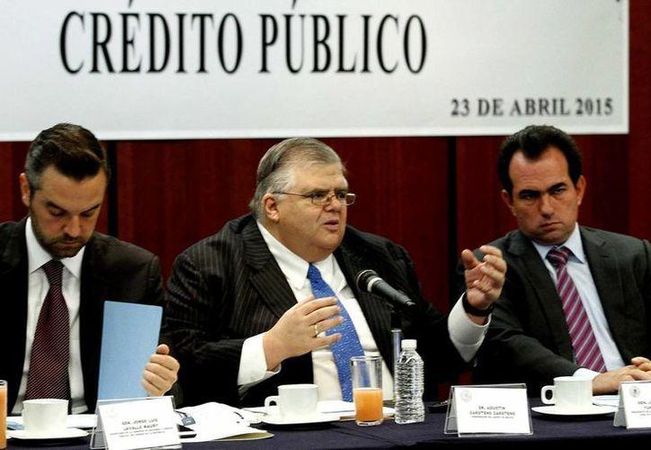 El gobernador del Banco de México, Agustín Carstens, comparece hoy ante integrantes de la Comisión de Hacienda y Crédito Público del Senado de la República sobre el mandato del instituto central. (Notimex)