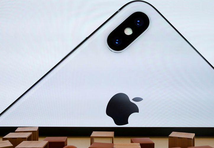 """El iPhone X está """"muerto"""" a causa de la sobreoferta de circuitos integrados. (Reuters)"""