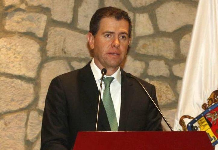 Alfredo Castillo, comisionado para la seguridad de Michoacán, declaró que  'Hipólito no puede hablar de Michoacán cuando no sale de una comunidad de cinco mil habitantes'. (Foto de archivo de Notimex)