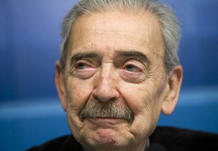 Juan Gelman se encontraba en la vereda opuesta de un conservador como Jorge Luis Borges, que tuvo elogios para la dictadura argentina. (Agencias)