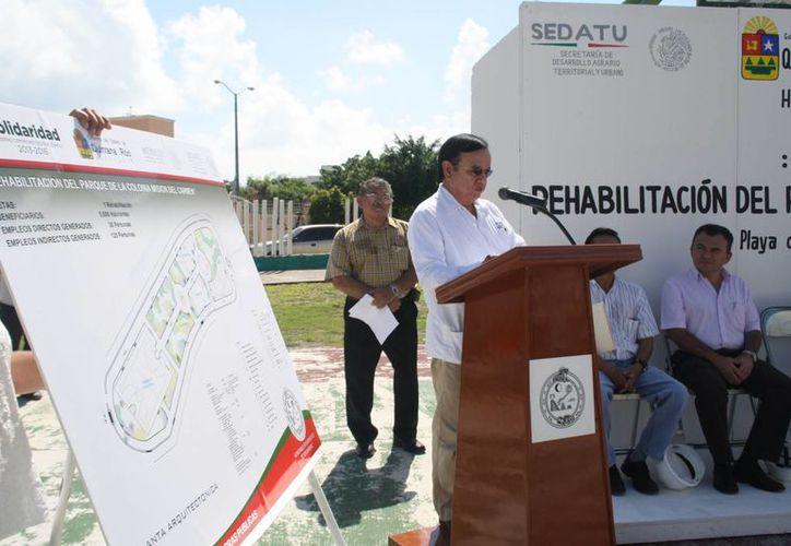 Cástulo Ramírez García anuncia inversión en Solidaridad. (Loana Segovia/SIPSE)