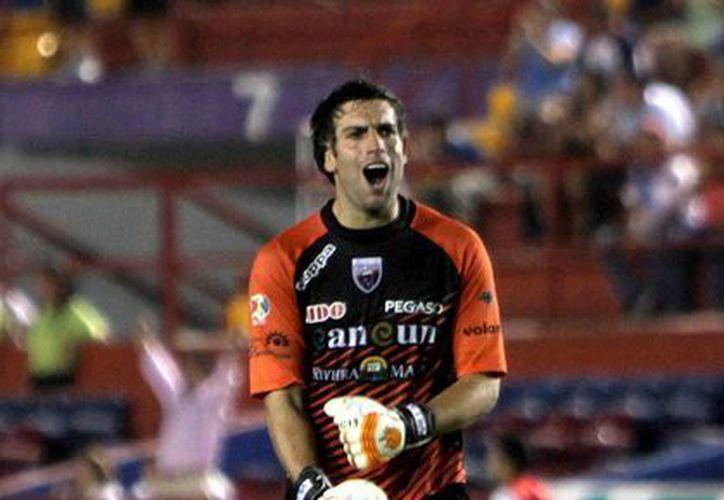 De nada servirá quedar campeones en la Copa MX, si descienden en la Liga, asegura Villalpando. (Redacción/SIPSE)