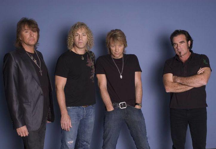 Los más de 50 mil fans que esperaban la visita de la banda rock tendrán que esperar, pues aún no anuncian la fecha de reposición. (Agencias)