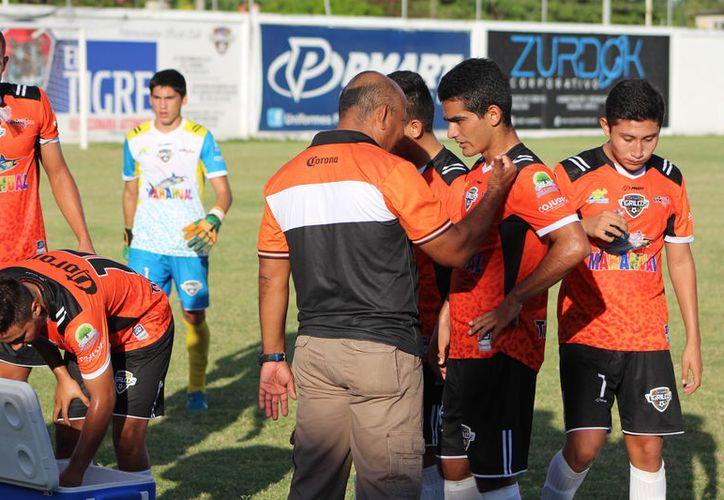 El profesor Licona reconoció que los malos resultados obtenidos durante el inicio de la temporada se debieron a la falta de contundencia. (Miguel Maldonado/SIPSE)