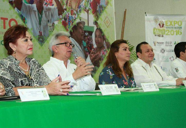 Esta mañana se anunció la Expo Adulto Mayor que se realizará este fin de semana, en el Centro de Convenciones Yucatán Siglo XXI. (José Salazar/Milenio Novedades)