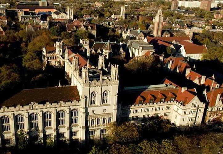 En la Universidad de Chicago no habrá clases este lunes debido a una amenaza hecha por internet. (wordpress.com)