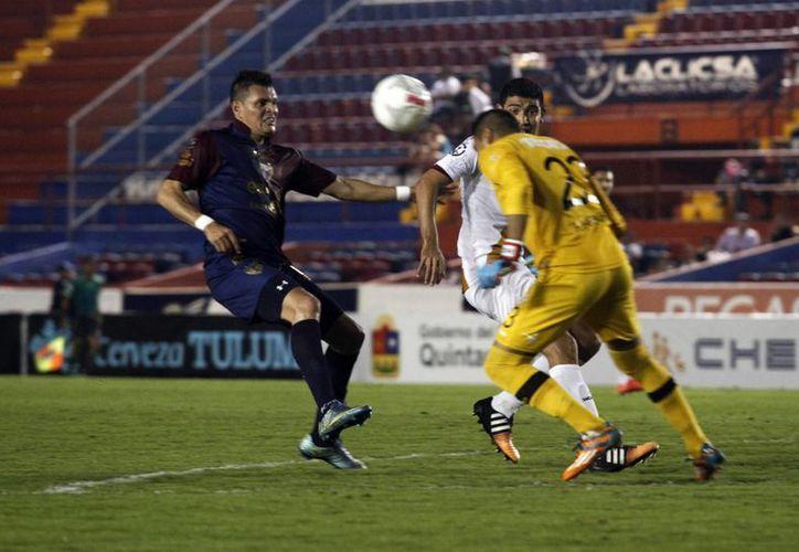 El encuentro fue en el estadio Andrés Quintana Roo. (Yajahira Valtierra/SIPSE)