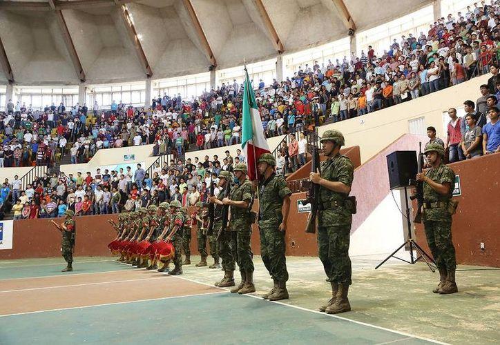 El sorteo del servicio militar nacional se realizó en el Polifórum Zamná, en la Unidad Deportiva Kukulcán. (Cortesía)