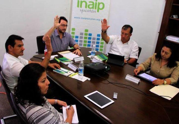 Consejeros del INAIP aprobaron hace unos días lineamientos para que sus resoluciones sean acatadas en forma obligatoria. (SIPSE/Archivo)
