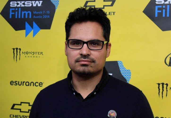 Hay quien trabaja y estudia más que yo y no consigue esos papeles, aceptó el actor Michael Peña, quien habló sobre su carrera en el cine. (Archivo/EFE)