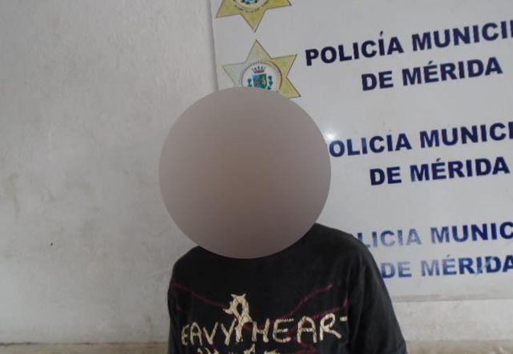 El detenido fue trasladado a la cárcel municipal para su posterior remisión al Ministerio Público, mientras que la afectada interponía la denuncia. (SIPSE)