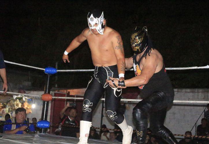 El Kaiser del Infierno aceptó de manera inmediata el reto del chetumaleño, y al mismo tiempo dijo que quiere una lucha ante Hades de máscara contra máscara. (Miguel Maldonado/SIPSE)