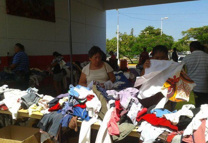 Seis escuelas locales y dos hoteles fueron los principales benefactores de los artículos para el bazar. (Sergio Orozco/SIPSE)