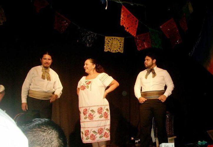 La obra teatral es un repaso a la literatura mexicana a través de una 'canasta de cuentos'. (Milenio Novedades)