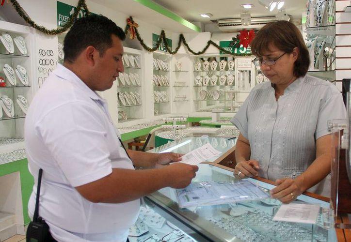 Los inspectores fiscales se han dado a la tarea de visitar los establecimientos. (Cortesía/SIPSE)