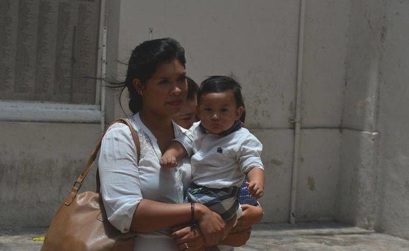Las madres primerizas siempre están llenas de dudas, sobre todo en lo que se refiere a qué 'esperar' del bebé. (Imagen de contexto/Luis Pérez-SIPSE)