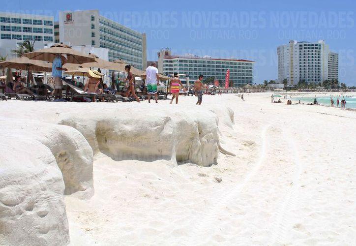 El fideicomiso para mantenimiento de playas aún no se define. (Israel Leal/SIPSE)