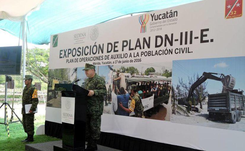 Alcaldes y directores de Protección Civil conocieron de cerca el Plan DN-III-E de la Sedena en caso de desastres naturales. (Fotos cortesía)