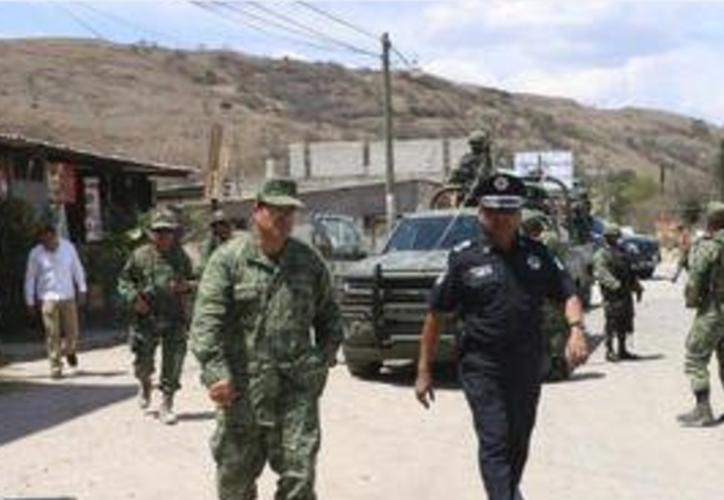 Las autoridades también arrestaron a 15 agentes que, pese a no haber aprobado los exámenes de control de confianza portaban armas. (MVS).