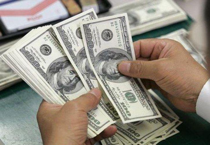El precio del dólar a la compra cerró este lunes en 20 pesos. (Tiempo La Noticia Digital)