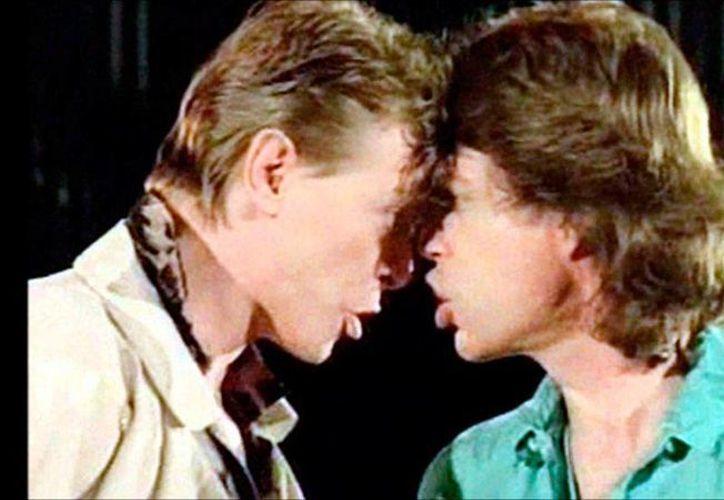 El libro 'Bowie: The Biography' revela detalles íntimos de la relación que llevaron dos de los músicos más famosos del siglo pasado: David Bowie (izq.) y Mick Jagger. (imgkid.com)