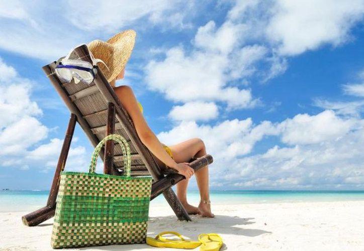 Para que no canceles tus vacaciones durante tu periodo menstrual tienes otras opciones para disfrutar de la playa.  (Foto: Contexto)
