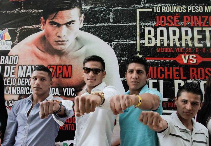 Presentación de la velada boxística de este sábado, que incluye el combate entre 'Barretas' Pinzón y Michel Rosales. (Milenio Novedades)