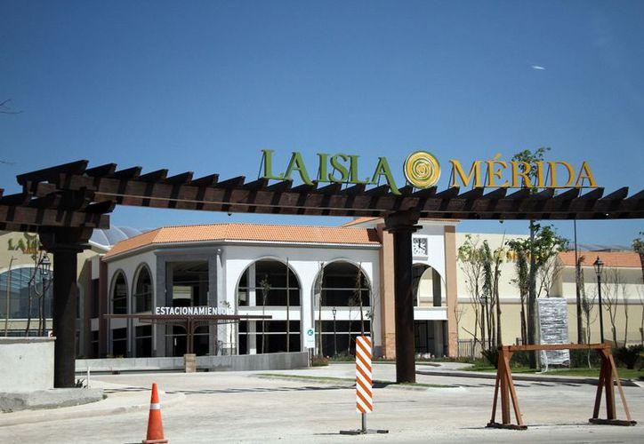 La Isla Mérida abrirá sus puertas en un mes, según lo programado. (Foto: Jorge Acosta/Milenio Novedades)