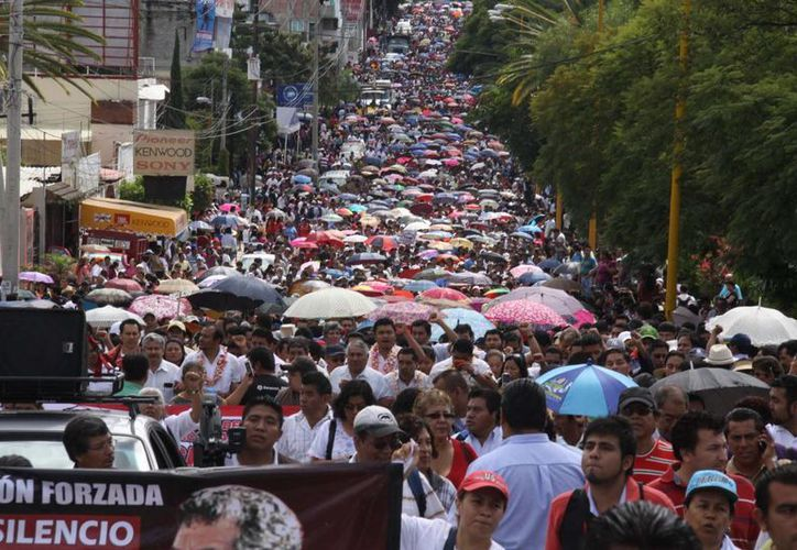 """La CNTE se deslindó de los actos vandálicos y acusó que hubo """"infiltrados""""."""