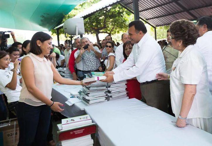 El gobernador Rolando Zapata acudirá los días 30 y 31 de octubre a la primera Cumbre de gobernadores y primeros ministros de Norteamérica, en Denver, Colorado, en EU. (SIPSE)